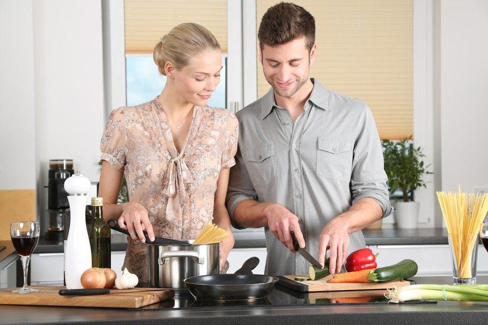 6 cadouri pentru pasionații de bucătărie pe care o să vrei să le păstrezi pentru tine